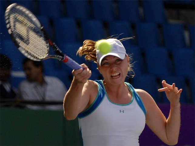 Vera Zvonareva of Russia in action , who lost to Venus Williams of USA in the quarter finals of WTA Bangalore Open Tennis Tournament.
