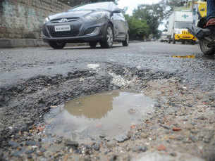Deadly roads make for bumpy ride in India's tech hub