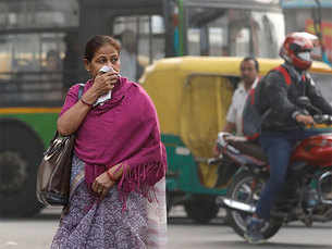 """""""We're praying"""" - Officials say India will not act on smog this year"""