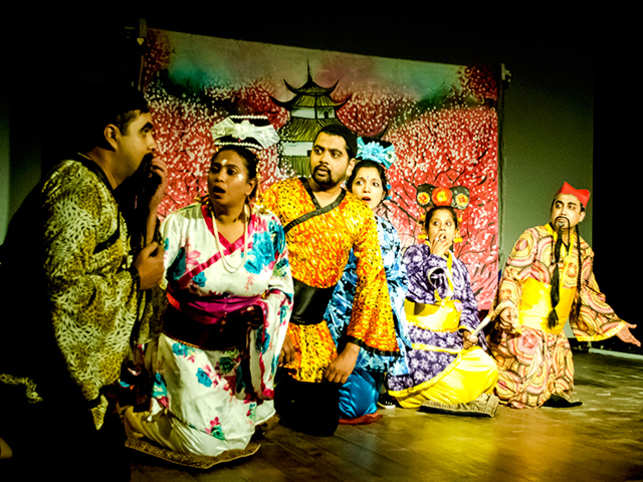 Called 'The Year of the Rooster', the play revolves around the relationship of a nobleman with his independent-minded daughter.