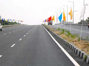 An underconstruction 'Dwarka Expressway' will act as a by-pass of NH-8 (in pic) from Gurugram to Dwarka.