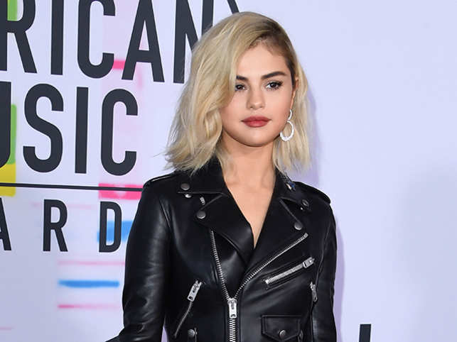 Selena Gomez Selena Gomez Is Wrapping Up 2017 With A
