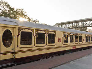 Palace on Wheels has seen dwindling numbers but RROW has struggled to take off since it was launched in 2009. (Image source: Wikimedia Commons)