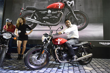 Riding with Bajaj, Triumph hopes to win over India