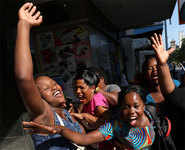 Joy on streets of Harare as Mugabe resigns