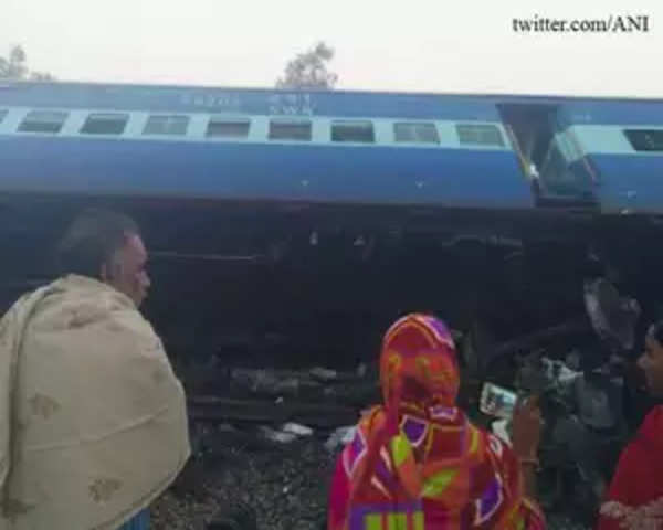Vasco Da Gama-Patna Express derails, many feared killed
