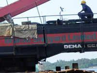 Mahindra Defence, Shapoorji Pallonji may bid for troubled Bharati Defence