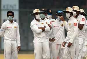 Sri lankan cricketers with masks, Del, In house photo