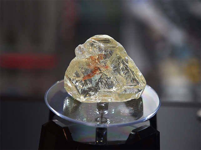 709 carat Sierra Leone 'Peace diamond' sold in NY  auction