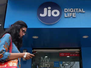 The 4G download speed on Reliance Jio network increased from 19.3 mbps at the end of August to all-time high of 21.9 mbps in September.