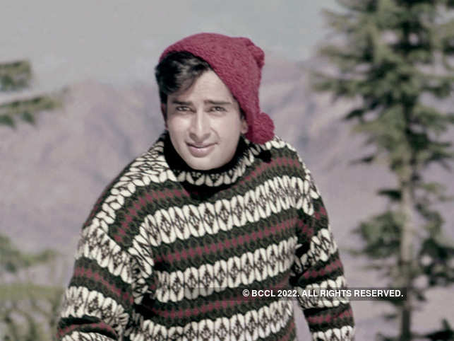 An able and competent performer, Kapoor was quite ahead of his troupe in his craft but chose to wait so that the troupe could catch up with him.