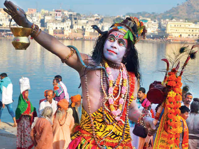 RELIGIOUS FERVOUR: Pushkar Lake witnesses many foreign and domestic tourists who come to take a holy dip