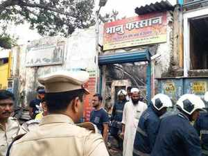 Twelve killed as fire breaks out in Mumbai shop
