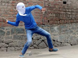 Spurt in Kashmiris joining militancy in 2017
