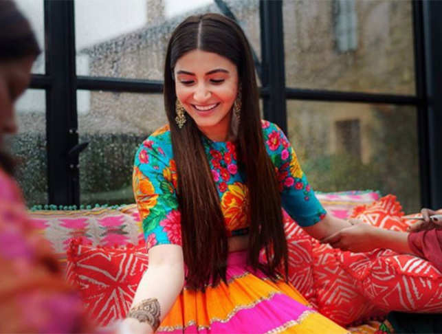 Anushka Sharma at her mehendi function in Tuscany.  (Image: Instagram/StoriesByJosephRadhik)