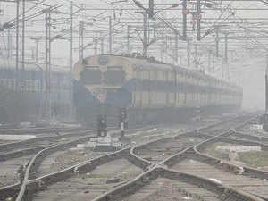 Fog delays trains