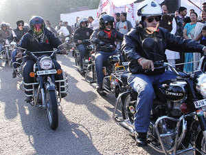 bikers-group-