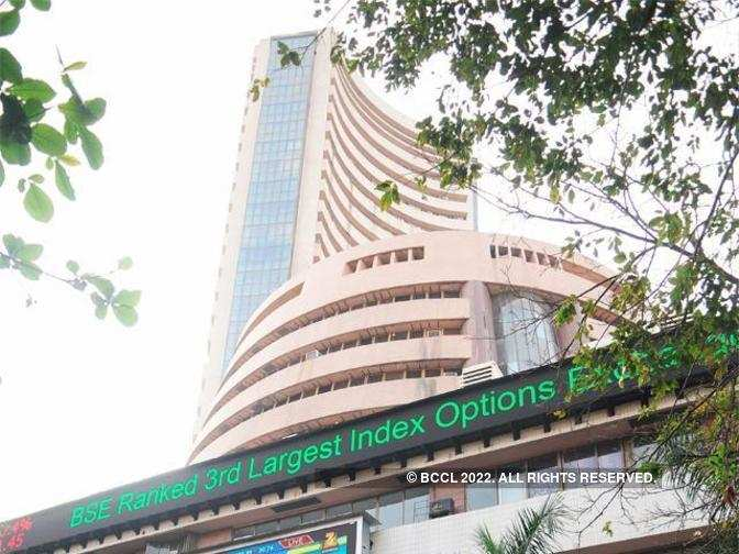 Sensex climbs 100 pts, Nifty50 above 10,450; Dr Reddy's Labs, RCom drop 3% each