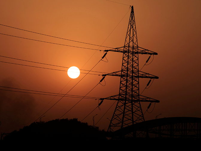 Average spot power price drops 15% in Dec to Rs 3/unit