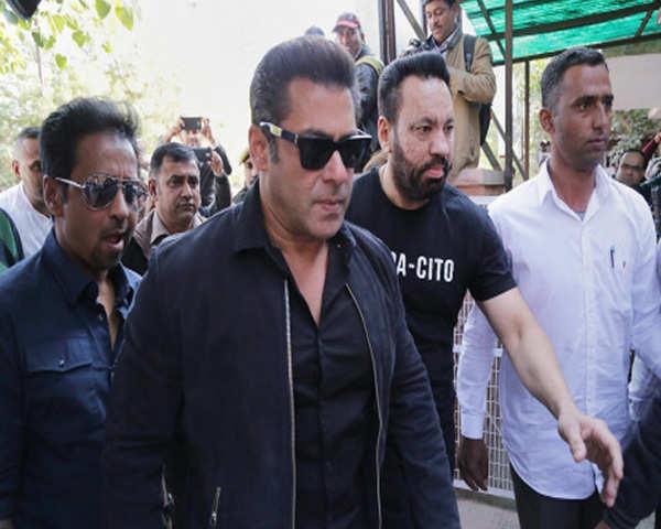 Salman Khan: Visuals: Salman Khan appears before Jodhpur court for final  arguments in blackbuck case | The Economic Times Video | ET Now
