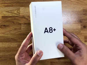 Watch: Unboxing and first look of Samsung Galaxy A8+