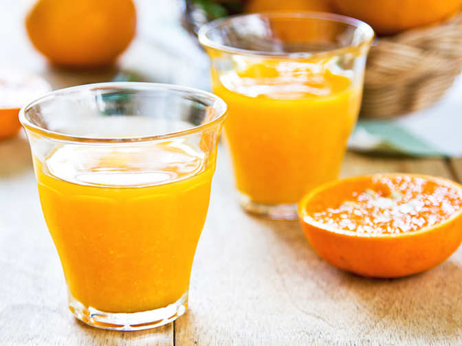 Yes, it is healthy! Drinking 100 per cent fruit juice does not raise blood sugar levels