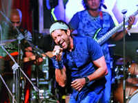 Farhan Akhtar set to pay rocking tribute to Pink Floyd, David Bowie, The Beatles at music fest