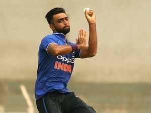 Jaydev Unadkat by Santosh Bane 400