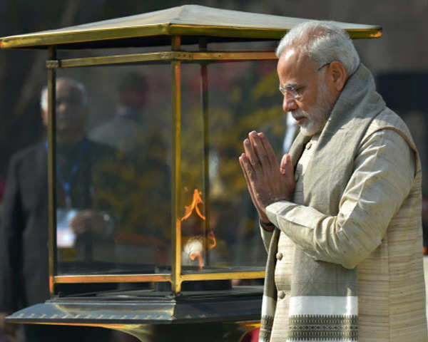 Watch: Prez Kovind, PM Modi pay tribute to Mahatma Gandhi