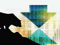 Market Now: Nifty Realty top sectoral loser