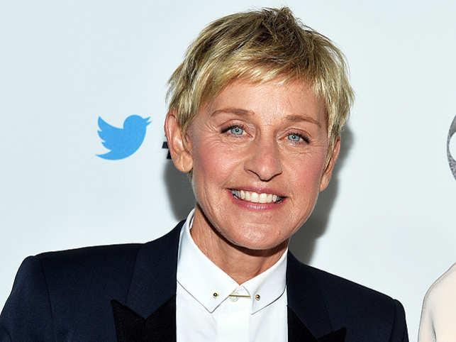 من هم أكثر 10 مشاهير شعبية على تويتر في العالم؟ Ellen-degeneres-shocks-audience-by-giving-them-1-million