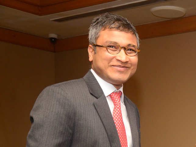 Rajat Gupta joined McKinsey in the year 1992. 117231c93