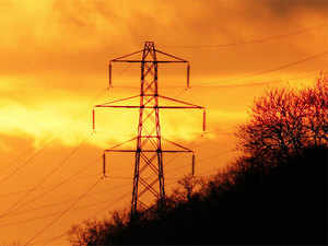 Power Minister RK Singh wants states to cut discom losses