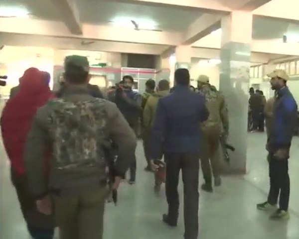 Srinagar hospital firing: LeT militant escapes from custody, cop killed