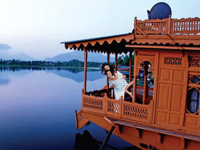 Add a new age twist to the honeymooning tradition: Head to Dal Lake, Havelock or Nashik
