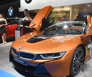 Watch: BMW showcases 6-Series GT, i8 Roadster, third-gen X3