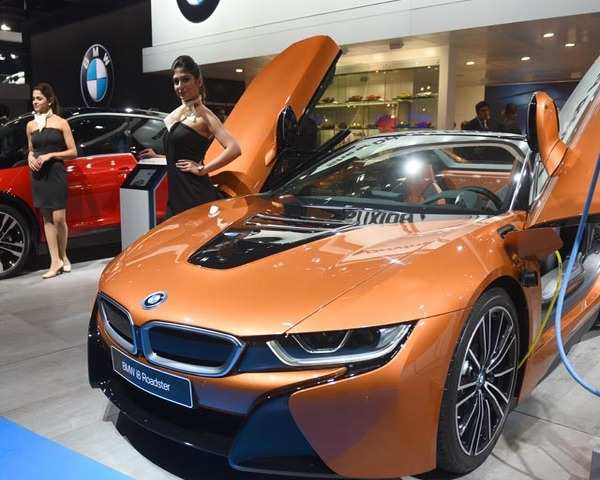 Auto Expo Watch BMW Showcases Series GT I Roadster Third - Bmw car show 2018