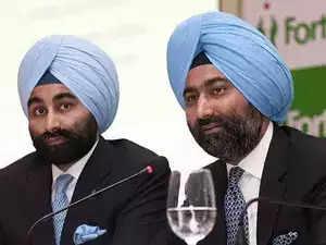 Malvinder Singh and Shivinder Singh resign from Fortis Healthcare board