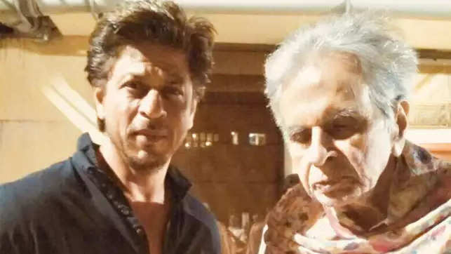 Watch: When Shah Rukh Khan paid a visit to Dilip Kumar