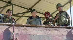 Rajouri: Chief of Army Staff, General Bipin Rawat, accompanied by Northern Army ...