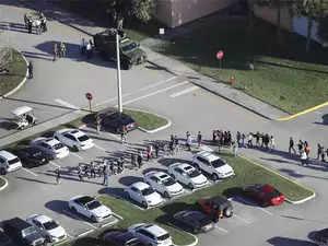 Watch: 17 dead in Florida school shooting; suspect in custody