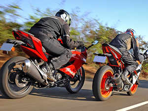 Autocar show: KTM RC 390 vs TVS Apache RR 310 comparison