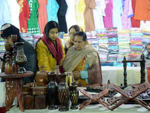 Handicraft exports likely to dip in 2017-18: EPCH