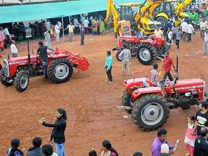 Tractor-bccl