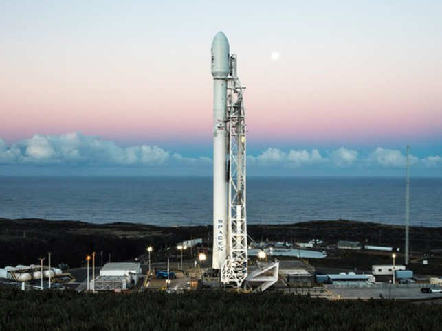 A Falcon 9 to launch two tiny satellites, the first of SpaceX's bid to build a global internet service. (Image: SpaceX)