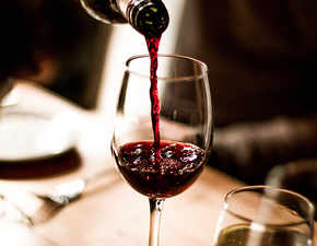 Another reason to say cheers! Wine may be good for oral health
