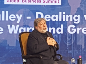 Steve-Wozniak,-Co-Founder,-
