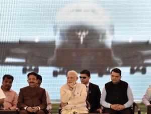 Mumbai: Prime Minister Narendra Modi with Maharashtra Governor C Vidyasagar Rao...