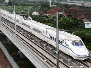 Official says China is developing bullet trains with a max speed of 400 km/hour