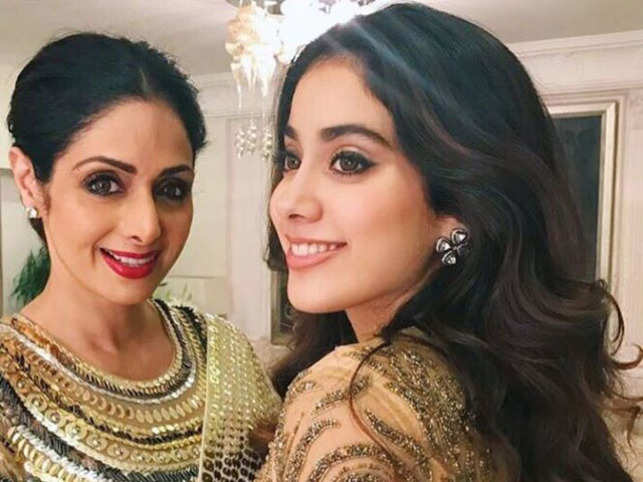 After Stepsister Anshula Kapoor Shuts Down Troll, Janhvi Shows A Sisterly Gesture